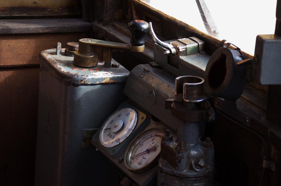デハニ50形 №2 運転席